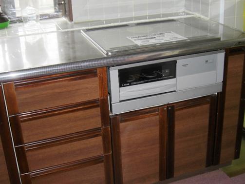 今までお掃除が大変だったところがサッと拭けるので、いつも綺麗なキッチンを保てますね!