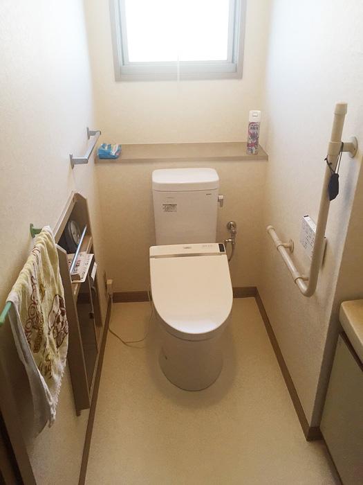 【レストルーム】 ピュアレストMR 手洗い器付き、ウォシュレットSIA 使用
