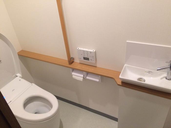タンクレスのリモコン式ウォシュレットで、快適なトイレになりました!