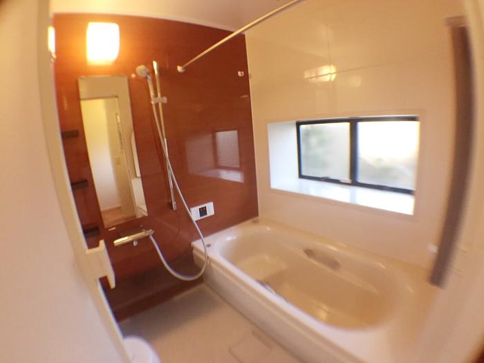 バスルームはTOTOのサザナHS Sタイプです。