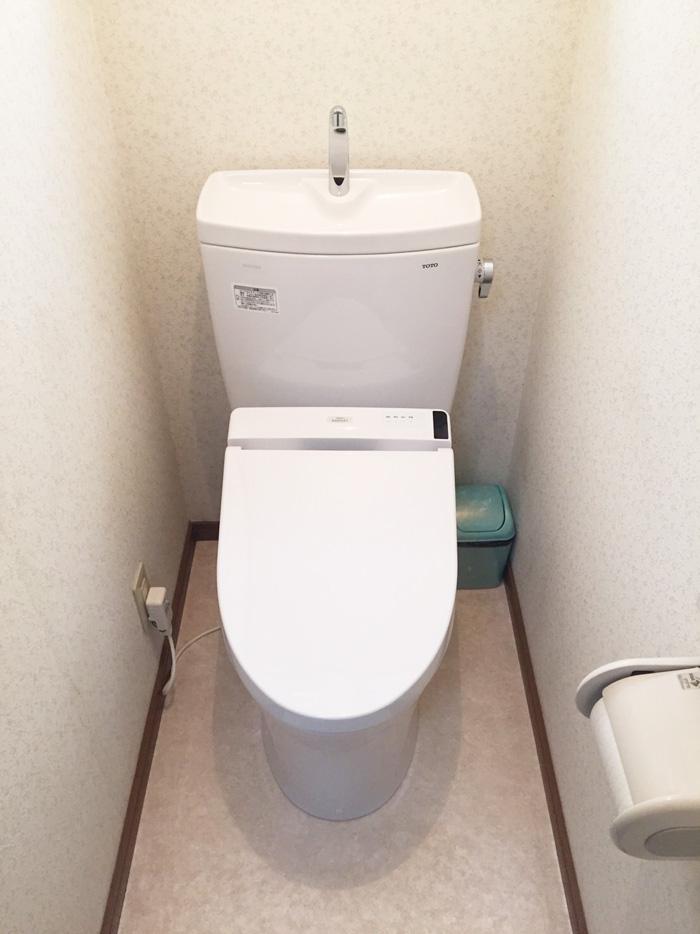 トイレを交換いたしました。ピュアレストQRです。その他、クッションフロア張り替えと、シロアリ(防蟻)もしております。